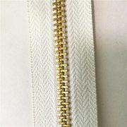 One-way separating 4.5yg brass long chain h65 zipper