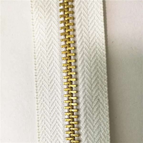 One-way separating 4.5yg brass long chain h65 zipper